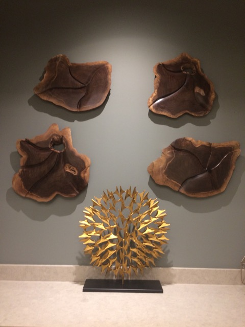 4 walnut sculptures